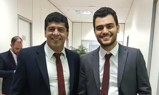 Rogério Pinheiro (Presidente do IPEM-ES) e Rérison Antonio Castro Leite (Presidente AEM) durante encontro em Brasília