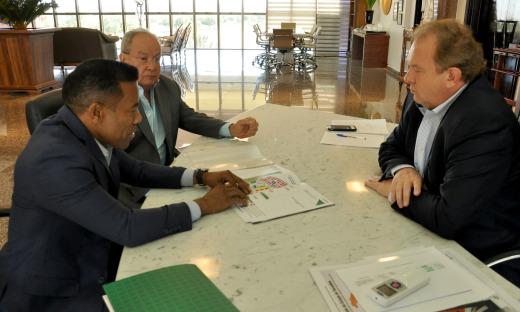 Reunião foi para apresentação ao Governador do projeto de realização da 23ª Edição da Fenepalmas
