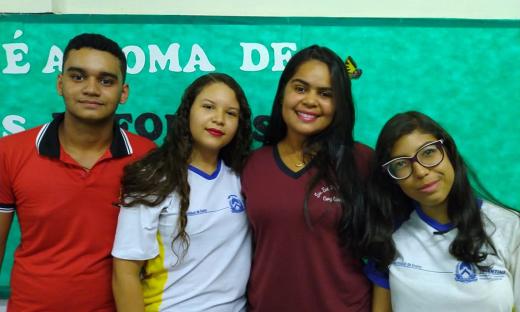Equipe 'Universo Jovem 2019' da Escola Estadual Professora Hamedy Cury Queiroz