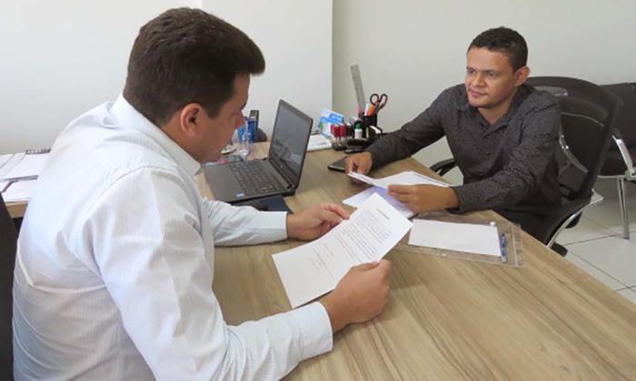 Superintendente do Procon, Walter Viana e vice-prefeito Thiago Soares