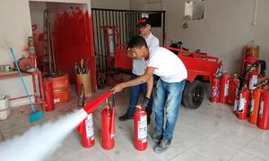 Equipe técnica da AEM realiza inspeção em empresas permissionárias que comercializam extintores de incêndio