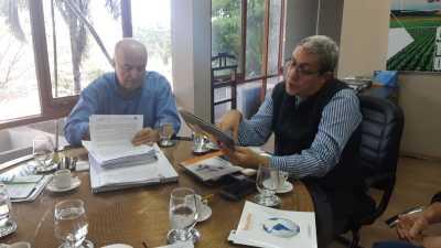 Secretário apresenta as vantagens fiscais a investidor interessado em montar um processadora de oxigênio no TO