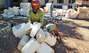 Agricultores do Projeto Manuel Alves, em Dianópolis, aproveitaram a oportunidade e devolveram as embalagens vazias de defensivos