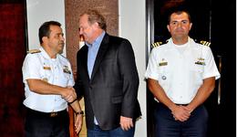 Mauro Carlesse recebeu o vice-almirante Wladmilson Borges de Aguiar, comandante do 7º Distrito Naval e o capitão de Fragata Cláudio Alberto Teixeira Ramos, capitão dos Portos do Araguaia/Tocantins