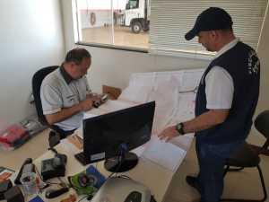 Documentação comprobatória e técnica para avaliação das dependências da empresa são objetos  da verificação