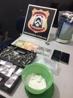 Polícia Civil apreendeu entorpecentes, insumos para produção de drogas, dinheiro e equipamentos eletrônicos