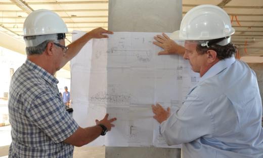 Mauro Carlesse cumpriu agenda em Gurupi onde fiscalizou o reinício das obras do Hospital Geral de Gurupi