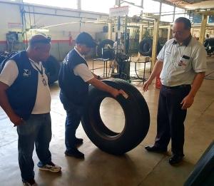 Agência de Metrologia orienta aos consumidores sobre a importância de verificar o estado dos pneus