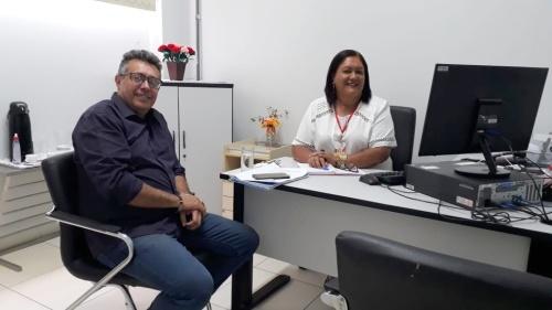 Secretário se reúne com diretora do É Pra Já de Araguaina