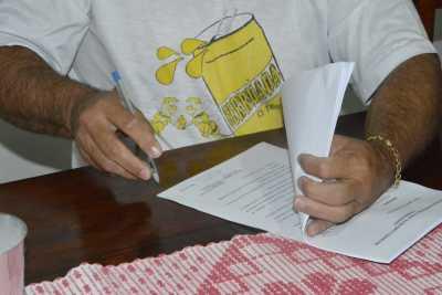 Investigados assinam termo de compromisso de pagamento de fiança na Operação Midas da Polícia Civil em Colmeia