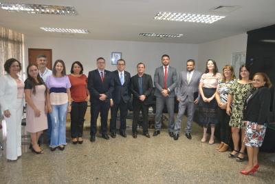 Membros do Conselho Penitenciário do Tocantins durante cerimônia de posse da presidente e vice-presidente