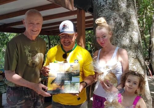 Tom Lyra recepcionou o príncipe e sua família