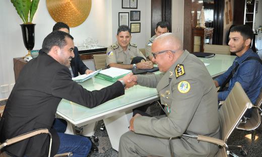 Os atos beneficiaram Rangel Fraga Siqueira, promovido a Tenente Coronel e mais dez policiares