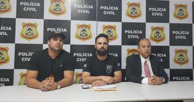 Delegado regional de Paraíso (Bruno Baeza), presidente do inquerito (Eduardo de Meneses) e diretor da DRACCO (Evaldo Gomes) concedem coletiva na Operação