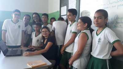 Os estudantes contam com o auxílio de uma plataforma digital no processo ensino aprendizagem