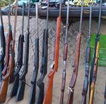 Dezenas de armas de gogo apreendidas pela Polícia Civil durante operação no interior do Estado