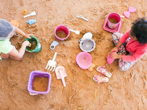 """Campanha """"Criança não deve trabalhar, infância é para sonhar"""" foi lançada em 12 de junho pela Organização Internacional do Trabalho"""