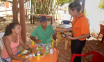 Frequentadores da praia foram orientados sobre os direitos da criança e do adolescente, sobre inclusão social e respeito às diferenças