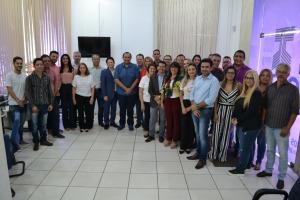 Equipe de servidores da Jucetins com parceiros do órgão na inauguração da Sala do Contador e do Empresário