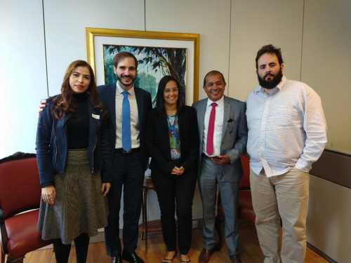 Equipe técnica da SICS com o subsecretário de Desenvolvimento das Micro e Pequenas Empresas, José Ricardo e com o coordenador-geral  de Apoio àsMicroe Pequenas Empresas, Alfredo Nascimento