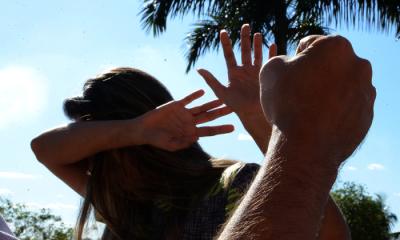 Lei visa sensibilizar e conscientizar a sociedade sobre a violência sofrida pelas mulheres