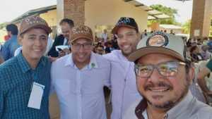 Acompanhado do secretário da Semarh, Renato Jayme, equipe do Naturtins em evento do Governo