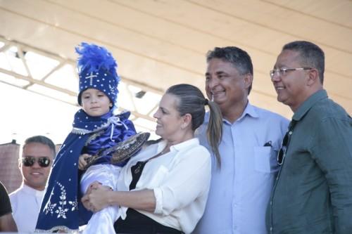 Deputada Claudia Lelis, prefeito Miranda e Tom Lyra, durante as Cavalhadas
