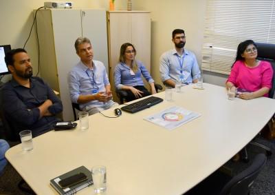 Semarh durante reunião com Assessoria de Pesquisa, Estratégia e Gestão de Qualidade do TRE-TO