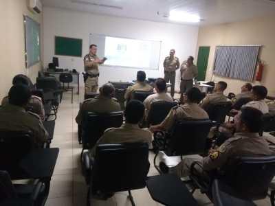A instrução habilitará policiais militares a utilizarem essa nova ferramenta de trabalho.