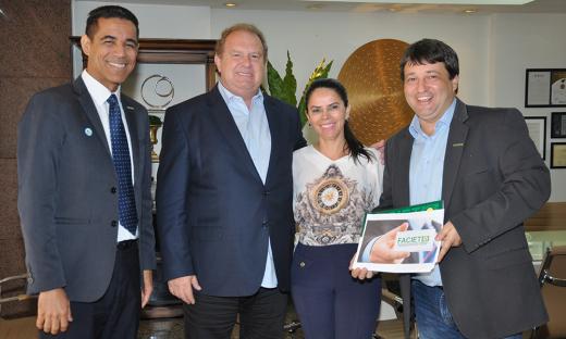 Membros da nova diretoria da Faciet apresentaram ao Governador o projeto da nova gestão, que visa incentivar o empreendedorismo e qualificar os pequenos empresários