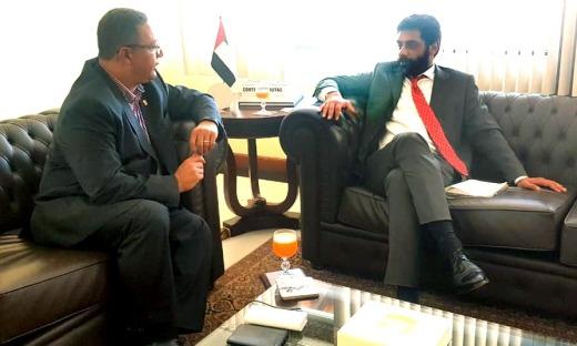 Tom Lyra e Abdullah Almaazmi, na Embaixada de Dubai