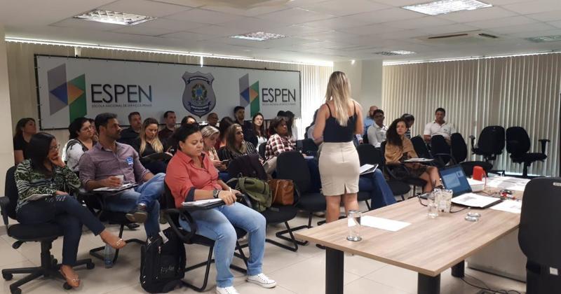 O curso visa fomentar melhorias nas políticas públicas aplicadas ao sistema prisional