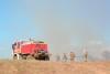 Com apoio de caminhão de combate, bombeiros militares atuam na região norte de Palmas