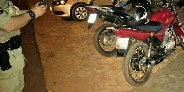 Foto 01 - Motocicletas recuperadas em Wanderlândia, pela PM_600x300.jpg