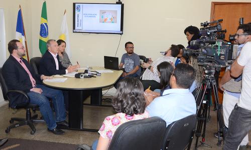 Participaram da coletiva, o secretário da Administração, edson Cabral, o diretor do Plansaúde, Ineijain Siqueira e a superintendente de Beneficios ao cidadão da Secad, carol Bueto.