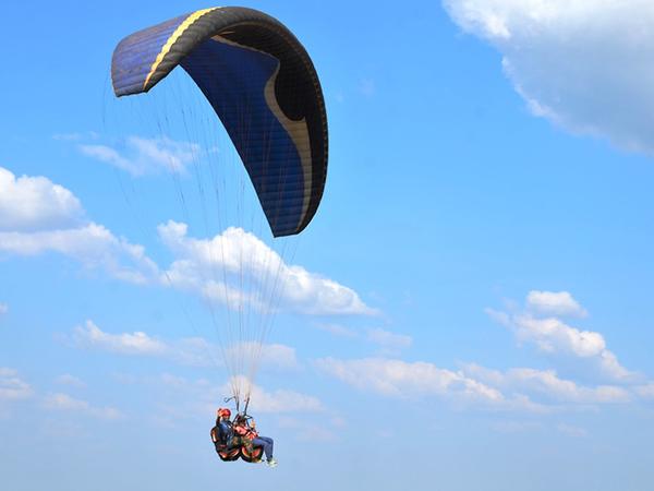 Voar de parapente era o sonho de Adilson Ribeiro e para ele, todas as pessoas que passam por um tratamento semelhante deveriam fazer algo parecido