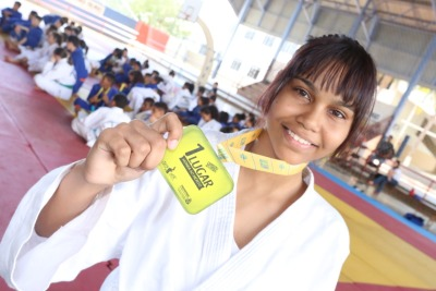 Giovanna Almeida comemorou a vitória no judô