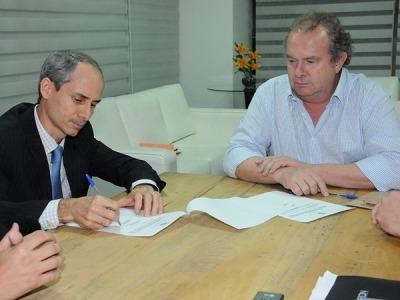 Nivair Vieira Borges empossado como titular da PGE