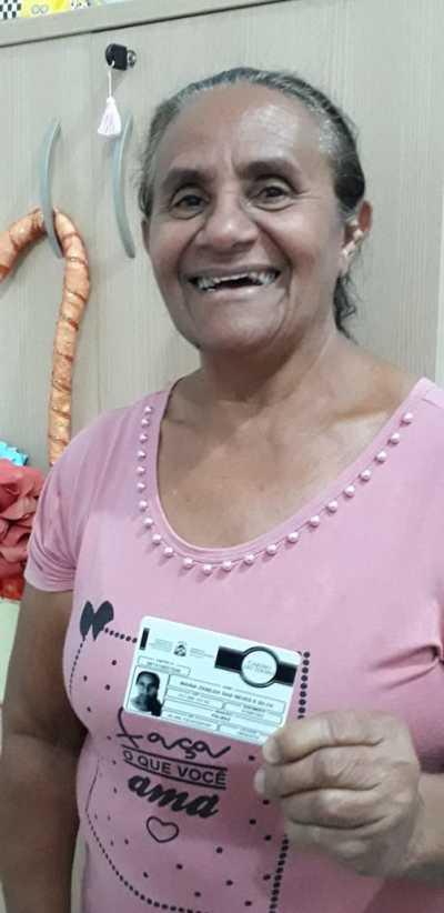 A idosa Maria Rosa C. do Nascimento está entre os mais de 10 mil beneficiários do Cartão do Idoso no Tocantins