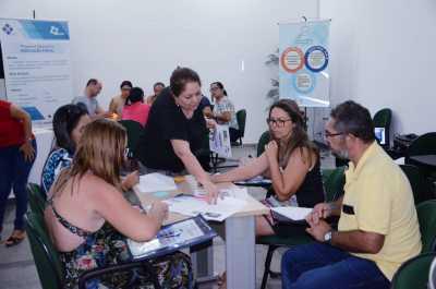 Professores elaborando planos de aula a partir da socialização da temática.