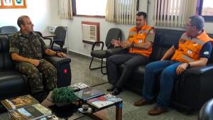 Comandantes em reunião no Exército Brasileiro
