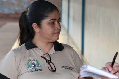 A professora de língua portuguesa portuguesa, Alexsandra Mendes Pereira, atua na unidade escolar desde 2010