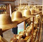 Mumbuca é parada obrigatória para quem busca artesanato em capim dourado