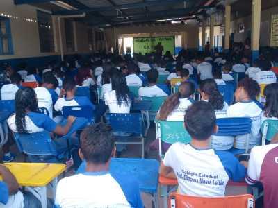 PM realiza palestra alusiva ao Dia da Independência  para 480 alunos de escola em Novo Acordo