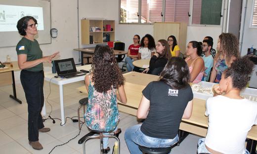 Palestra sobre meio ambiente com acadêmicos da UFT