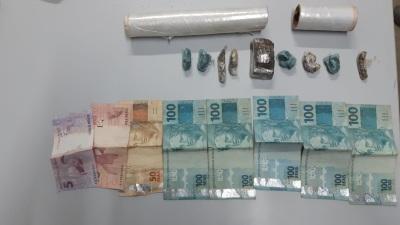 Polícia Civil desarticula mais um ponto de venda de drogas e prende  três homens em Paraíso 2_400.jpg