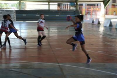 No Handebol feminino, as tocantinenses venceram Rondônia