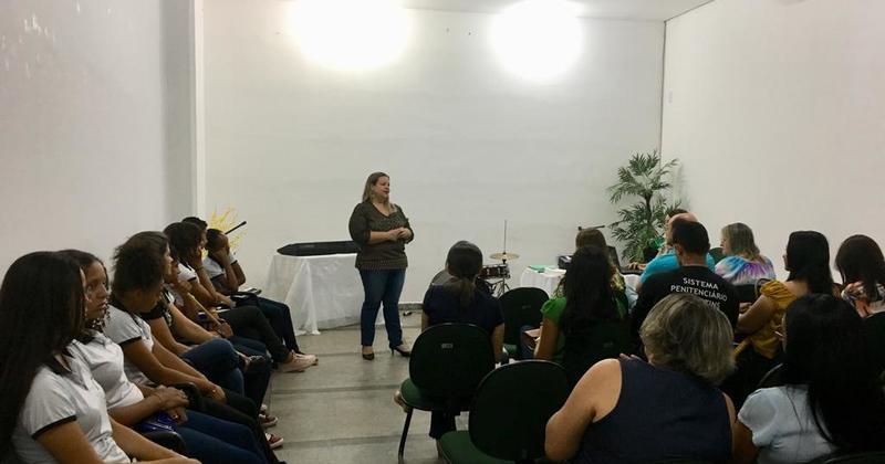 Curso de formação continuada para professores que atuam nas prisões da região