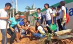 Estão sendo realizadas ações como palestras, plantio de mudas, aulas campo e revitalização de áreas degradadas