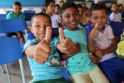 Crianças têm programação especial com cinema, pipoca e atividades interativas